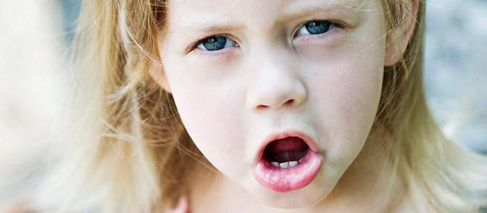 Souvent L'enfant qui argumente sans cesse HA18