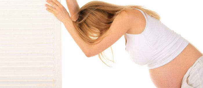 Essoufflement durant la grossesse - Se coucher sur le dos pendant la grossesse ...