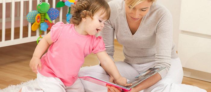 les bienfaits de la lecture avec votre enfant. Black Bedroom Furniture Sets. Home Design Ideas