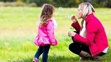 Jouer avec son enfant calme maman - Cuisiner avec son enfant ...