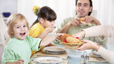 Repas en famille harmonieux des bienfaits sur le poids for Idee repas convivial en famille