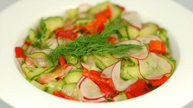 Salade de concombre et vinaigrette à l'érable